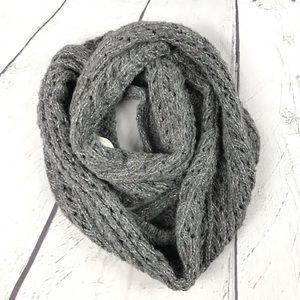 Hollister Chunky Knit Infinity Scarf